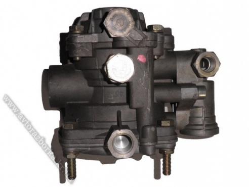 Клапан управления тормозом прицепа